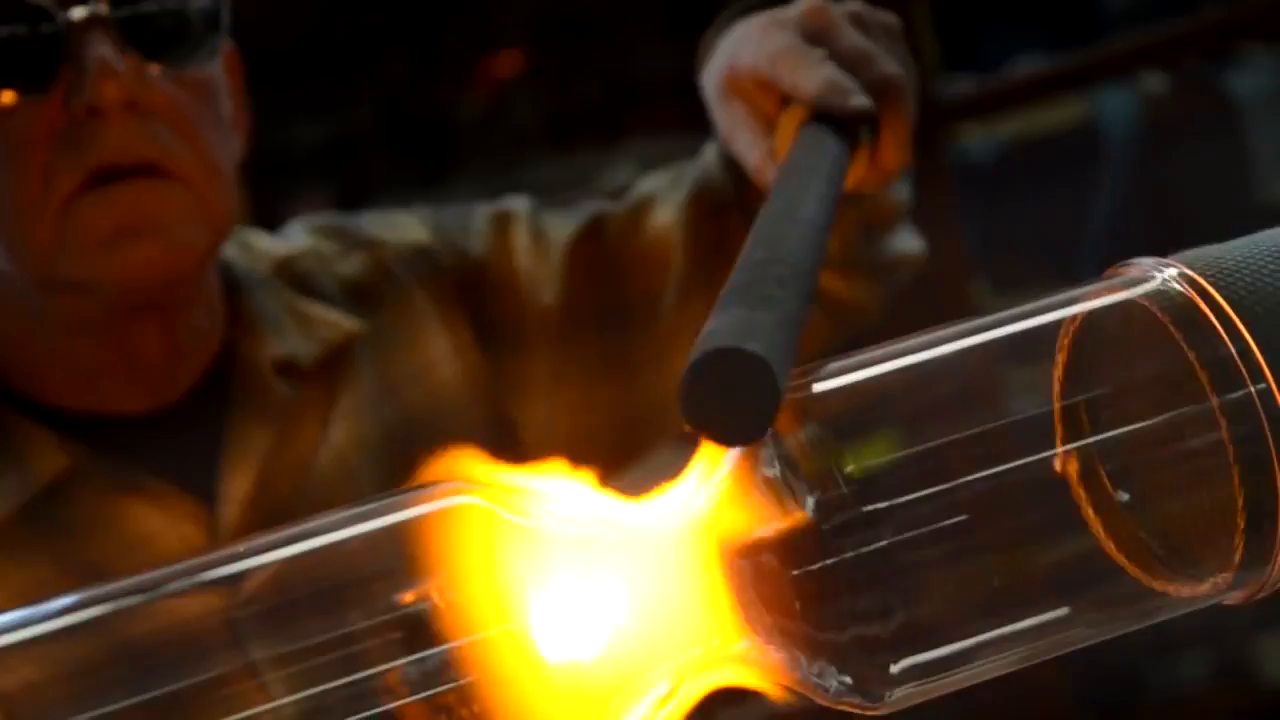 Headroomthedepartmentofchemistryglassblowingshop.mp4 poster